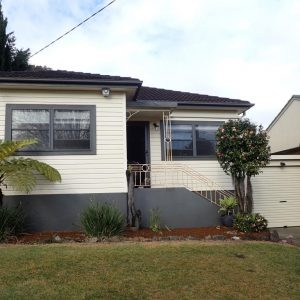 P5319246 300x300 - Building & Pest Report - 19 Garden Ave Figtree