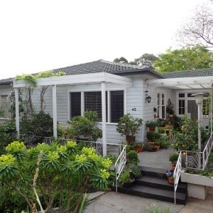 P8110883 300x300 - Building & Pest Report - 15 Goodbury Ave Figtree