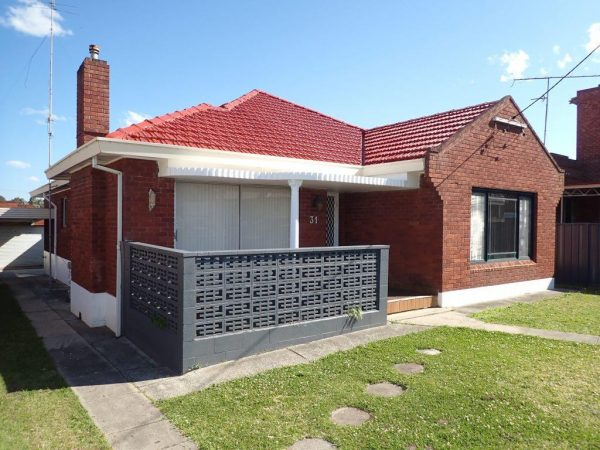 P8253007 - Building & Pest Report - 31 Balgownie Rd Fairy Meadow